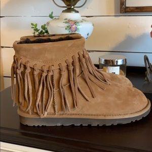 Ugg wynona fringe boots